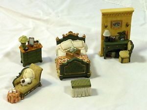 Avon Fine Collectibles 2001 Miniature Furniture Collectibles Bedroom