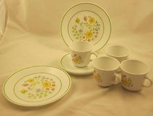 9 PC Corelle Corning Ware Centura Meadow Floral Dinnerware Set Plates Cups Mugs