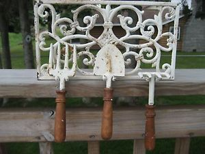 Antiquelook Cast Iron Garden Rack Tools Woodhandles Shabby Primitive Countrychic