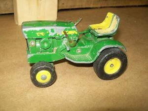 Ertl John Deere 140 Lawn and Garden Tractor 1 16 Vintage