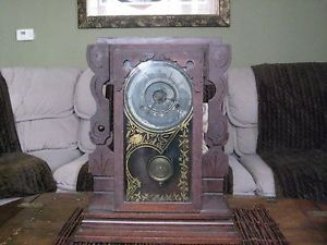 Vintage New Haven Clock Co 8 Day Striking Alarm Mantle Clock Autographed