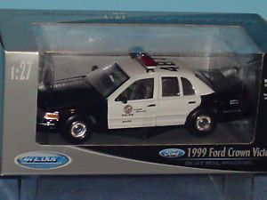 1999 Ford Crown Victoria L A P D Police Car 1 27