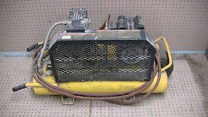 Dewalt D55170 Electric 8 Gallon Wheeled Portable Air Compressor 1 5 HP 6 5 CFM