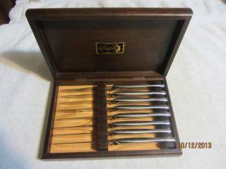 Carvel Hall Stainless Steel Steak Knives Set of 8 Solid Walnut Case