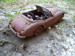 1 18 1961 Austin Healey 3000 Mark II Unrestored Junker Diorama Demolition Derby