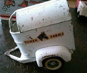 Vintage Tonka Farms Two Horse Trailer
