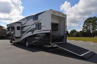 Used Toy Hauler Class A motorhome for Sale 2010 Damon Outlaw 3611 Great Conditio