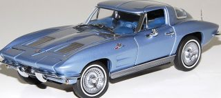 Franklin Mint 1963 Corvette Sting Ray Discontinued Limited Edition 1 24