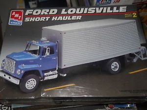 AMT Ertl 1 25 Ford Louisville Short Hauler Model Car Mountain Kit Truck