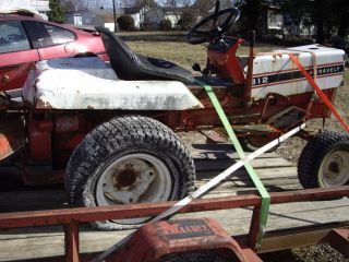 Gravely Lawn Tractor 812 for Parts with Good Eng Trans Only Part Missing Is Car