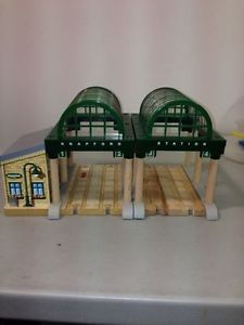 Talking Knapford Station Only Wooden Thomas Tank Engine Deluxe New