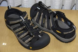 Keen Kids Black Stone Newport H2 Sport Water Shoes Sandals 6 Youth XLNT