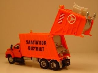 Boley HO 1 87th Scale GMC Topkick Sanitation District Garbage Truck Rubber Tires