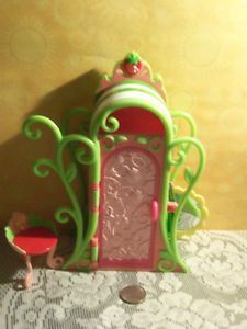 Strawberry Shortcake Berry Sweet Style Wardrobe Vanity with Chair SS3001