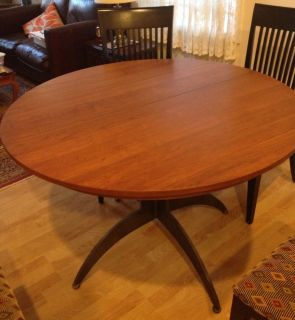 Ethan Allen Dining Table with Inner Leaf and 4 Chairs Great Condition