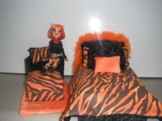 Monster High Doll Bed and Chair Set Handmade Toralei