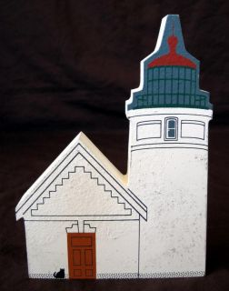 Cats Meow Village West Coast Lighthouse Series Faline Heceta Head Light Replica