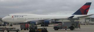 Delta Air Lines Airlines Pilot Wings Pinback Badge Pin