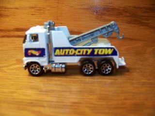 Hot Wheels Lot 1981 Tow Truck Wrecker Semi Die Cast Toy