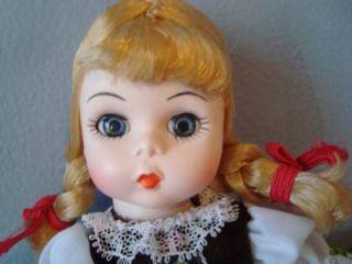 Vintage 1982 Madame Alexander Doll Austria 532 International Alexanderkins