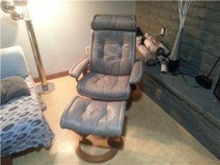 Danish Modern Ekornes Stressless Leather Chair Ottoman w Teak Base RARE Color