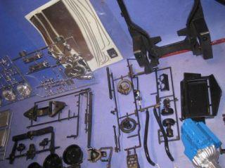 Monogram 82 Corvette Car Model Collectors Edition 1 8 Scale Kit Box 02V