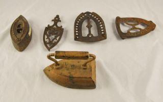 Lot of 5 Antique Cast Iron Sad Clothes Irons Trivets Wm Howell Geneva A1P11