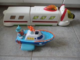 Special Agent Oso Toy Lot R R Rapide Command Center Wolfie Speed Boat Figures