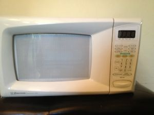 Emerson Countertop Microwave : about Emerson Countertop Microwave Oven (missing turntable plate