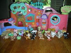 Littlest Pet Shop Day Care Get Better Center 25 Figures Dogs Cats Frogs Bug