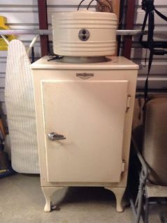 Vintage RARE 1940 General Electric Monitor Top Model Refrigerator