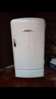 Vintage Antique Philco Refrigerator E 1103