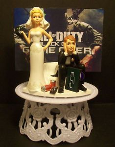 "Video Game ""Call of Duty"" got The Controller Groom Wedding Cake Topper"