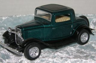 1932 Ford 3 Window Coupe 1 34 Diecast Plastic Pull Back Action by Kinsmart