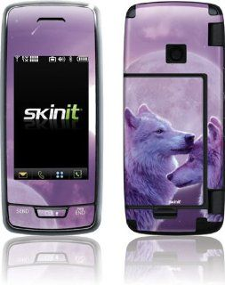 Vincent Hie  Loving Wolves  Skinit Skin for LG Voyager VX10000: Electronics