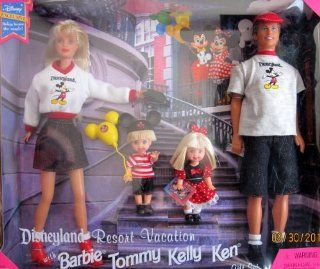 DISNEYLAND Resort Vacation with BARBIE, TOMMY, KELLY & KEN Gift Set DISNEY EXCLUSIVE (1998): Toys & Games
